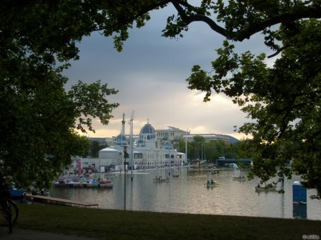 George Washington szobra, Városliget, csónakázó tó