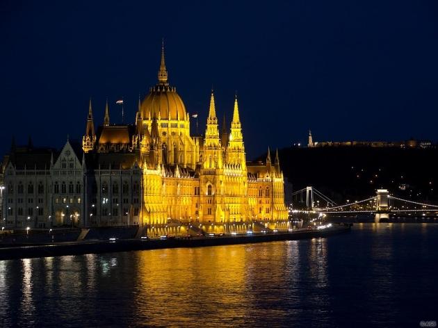 Parlamenti fények / Budapest: Hungarian Parliament's lights